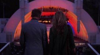 Callum Keith Rennie e Natascha McElhone in una scena dell'episodio La Ronde di Californication