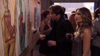 David Duchovny e Madchen Amick in una sequenza dell'episodio La Ronde di Californication