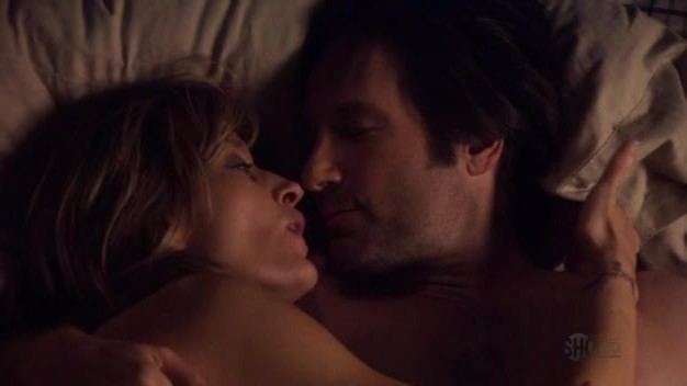 David Duchovny E Natascha Mcelhone In Una Scena Dell Episodio La Ronde Della Seconda Stagione Di Californication 98057
