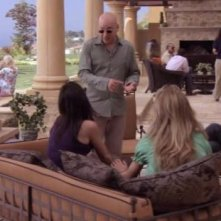 Evan Handler, Pamela Adlon, David Duchovny e Natascha McElhone in una scena dell'episodio La Ronde di Californication