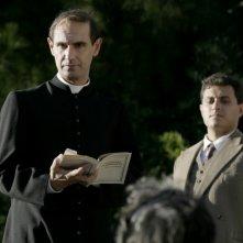 Fabrizio Gifuni interpreta Giovanni Battista Montini nella fiction Rai Paolo VI - Il Papa nella tempesta