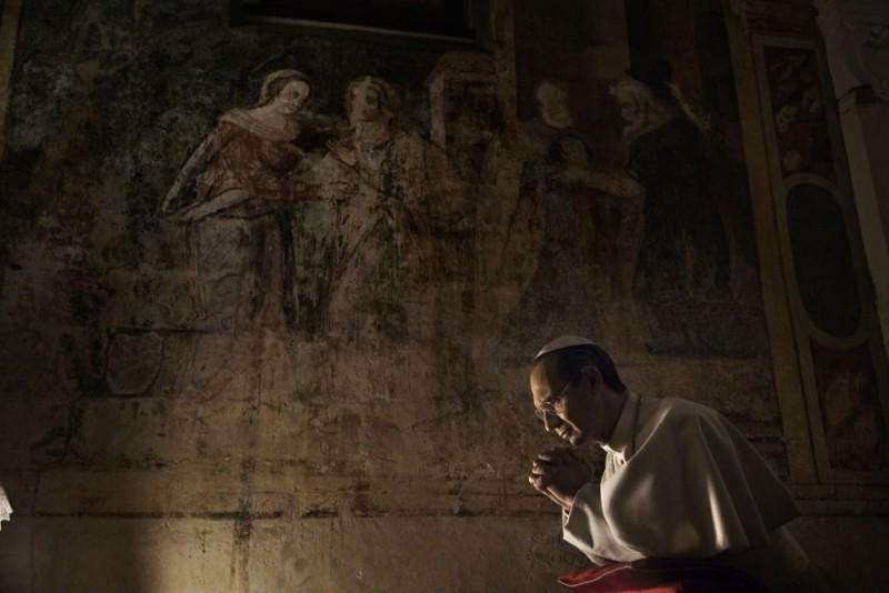 Fabrizio Gifuni Interpreta Papa Paolo Vi Nella Fiction Di Raiuno Paolo Vi Il Papa Nella Tempesta 98126