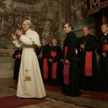 Fabrizio Gifuni (Padre Montini) e Mauro Marino (Monsignor Macchi) in una scena della fiction Paolo VI - Il Papa nella tempesta
