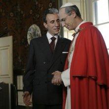 Gaetano Aronica (Aldo Moro) e Fabrizio Gifuni (Papa Montini) in una scena della fiction Paolo VI - Il Papa nella tempesta