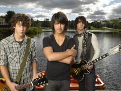 I Jonas Brothers alla conquista del set