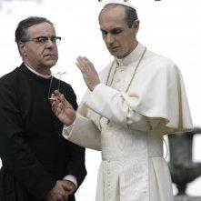 Mauro Marino e Fabrizio Gifuni (Papa Montini) in una scena della fiction Paolo VI - Il Papa nella tempesta
