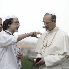 Mauro Marino, il regista Fabrizio Costa e Fabrizio Gifuni sul set della fiction Paolo VI - Il Papa nella tempesta