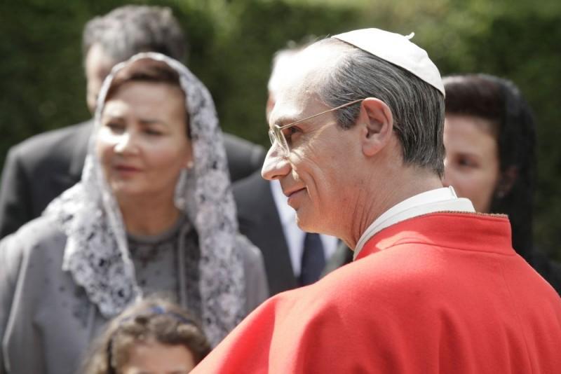 Un Primo Piano Per Fabrizio Gifuni Nei Panni Di Papa Montini Nella Fiction Di Raiuno Paolo Vi Il Papa Nella Tempesta 98160