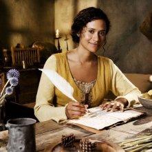 Angel Coulby in una immagine promozionale della serie Merlin