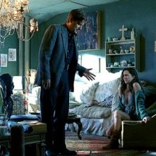 Bill Pullman ed Eliza Dushku in una scena del film Nobel Son