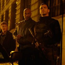 Dash Mihok, Colin Salmon e Ray Stevenson in una scena del film Punisher: War Zone
