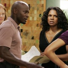 Matt Riedy, Rebecca Mader, Taye Diggs, Audra Mc Donald e Kate Walsh nel pilot della serie tv Private Practice