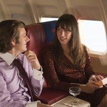 Michael Sheen e Rebecca Hall in un'immagine del film Frost/Nixon
