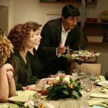 Una scena dell'episodio Metti una sera a cena della serie Tutti pazzi per amore