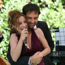 Carlotta Natoli e Neri Marcorè in una scena della serie di Rai Fiction Tutti pazzi per amore
