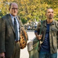 Richard Jenkins e Haaz Sleiman in una scena de L'ospite inatteso