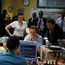 Una scena di gruppo della serie The Unusuals