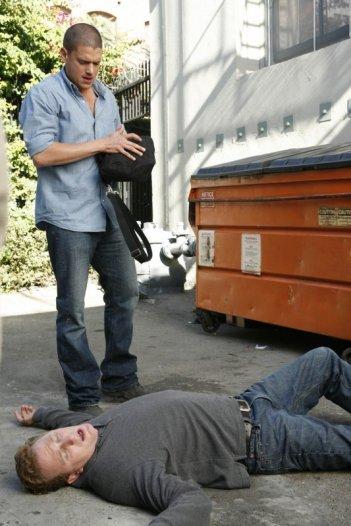 Wentoworth Miller in un momento dell'episodio 'Just Business' della serie tv Prison Break