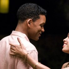 Will Smith e Rosario Dawson in una scena del film Sette anime