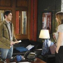 Dave Annable e Emily VanCamp in una scena dell'episodio 'Unfinished Business' della serie tv Brothers & Sisters