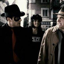 Gabriel Macht, Stana Katic e Dan Lauria in una scena del film The Spirit