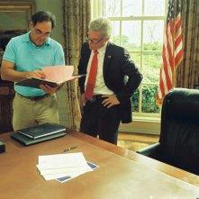 Il regista Oliver Stone e Josh Brolin sul set del film W.