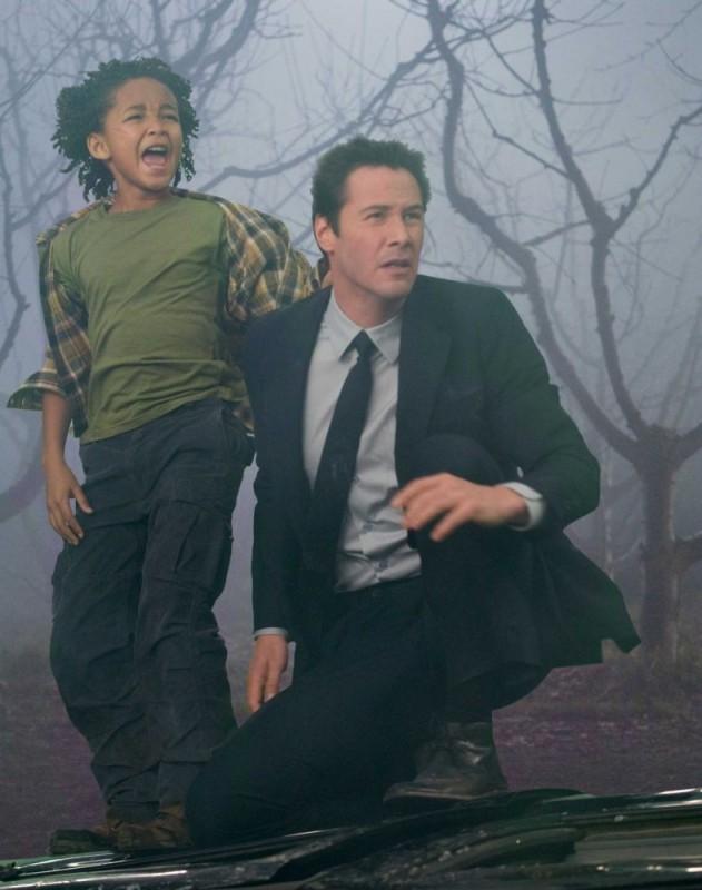 Jaden Smith E Keanu Reeves In Una Scena Del Film Ultimatum Alla Terra 99253