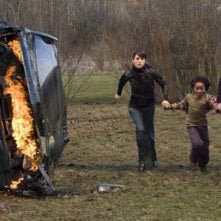 Jennifer Connelly, Jaden Smith e Keanu Reeves in una scena del film Ultimatum alla Terra