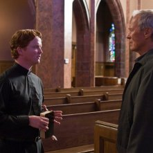 Christopher Carley e Clint Eastwood in una scena del film Gran Torino