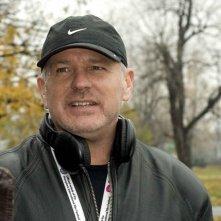 Il regista Brian Goodman sul set del film What Doesn't Kill You
