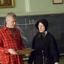 Il regista John Patrick Shanley e Meryl Streep sul set del film Il dubbio