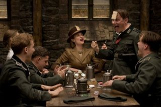 Una scena di Inglourious Basterds, war movie diretto da Quentin Tarantino