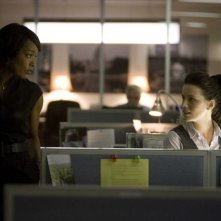 Angela Bassett e Kate Beckinsale in un'immagine del film Nothing but the Truth