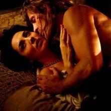 Michelle Bonev e Fabio Fulco in una calda scena della fiction Artemisia Sanchez