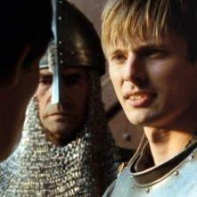 Bradley James nel pilot della serie tv Merlin dal titolo 'The Dragon's Call'