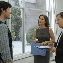 Tim Roth e Brendan Hines in una scena del pilot di Lie to Me