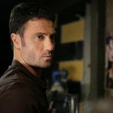Marco Falaguasta in una scena dell'episodio Il concorso de Il bene e il male