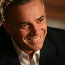 Massimo Ghini è il dottor Roberto Laurenti nel film tv Dottor Clown