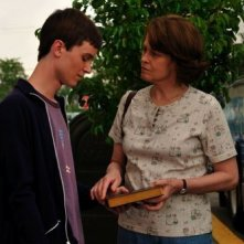 Ryan Kelley e Sigourney Weaver in Prayers for Bobby