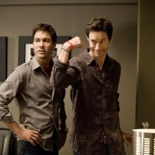 Thomas Cavanagh ed Eric McCormack nell'episodio All Hell the Victors di Trust Me