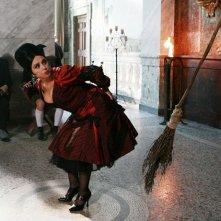 Un'aspirante Befana spagnola alle prese con la scopa magica nel film tv miacarabefana.it