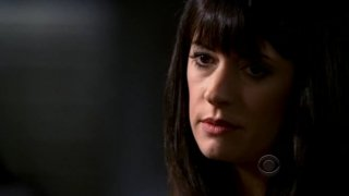 Paget Brewster in una scena di 'Normal' della quarta stagione di Criminal Minds
