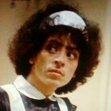 Un primo piano di Giselda Castrini nel ruolo della cameriera in Che cosa è successo tra mio padre e tua madre? di Billy Wilder