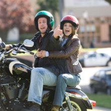 Adam Sandler e Keri Russell in un'immagine del film Racconti incantati