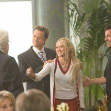 Guy Pearce, Teresa Palmer e Adam Sandler in una scena del film Racconti incantati