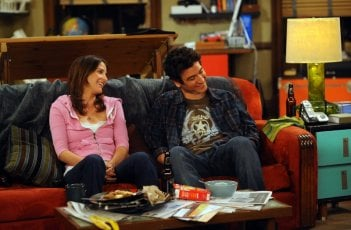 Josh Radnor e Cobie Smulders nell'episodio Benefits di How I Met Your Mother