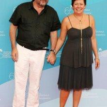 Paola Baroni accanto a suo marito Paolo Benvenuti alla Mostra di Venezia, nel 2008