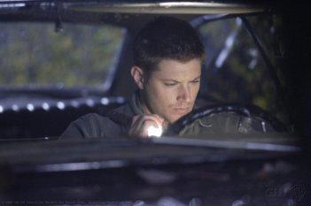 Jensen Ackles in una scena dell'episodio Family Remains di Supernatural