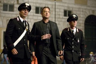 Tom Hanks nei panni di Robert Langdon in una scena del film Angeli e Demoni
