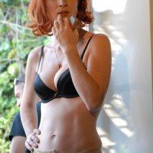Una sensuale Jane Alexander in una scena della serie tv Il commissario Manara
